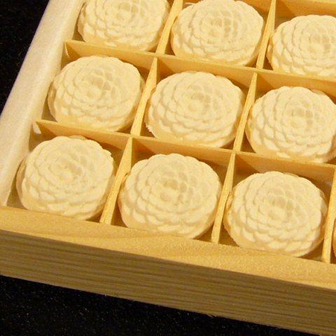 菊寿糖 28個入(木箱)