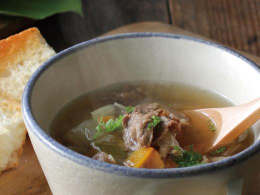 熊本産牛ばら肉と5種野菜のコンソメスープ