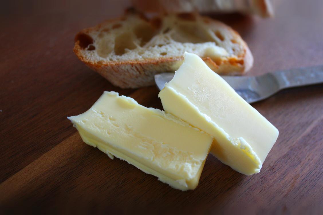 グラスフェッドバター グランフェルマージュとパン
