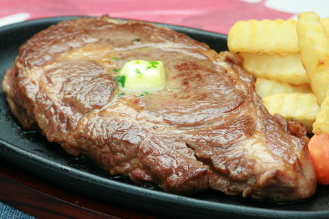 極厚カナダビーフ・1ポンドステーキ