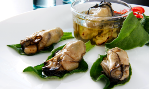 牡蠣のくん製オリーブオイル漬け