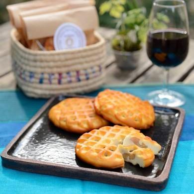 スモークチーズ(クルミ入) 手作り&一晩じっくり燻製 (1枚)