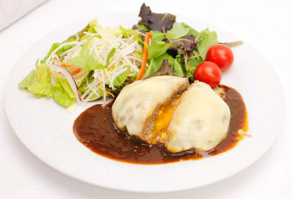 小田原産牛目玉焼き&チーズハンバーグ