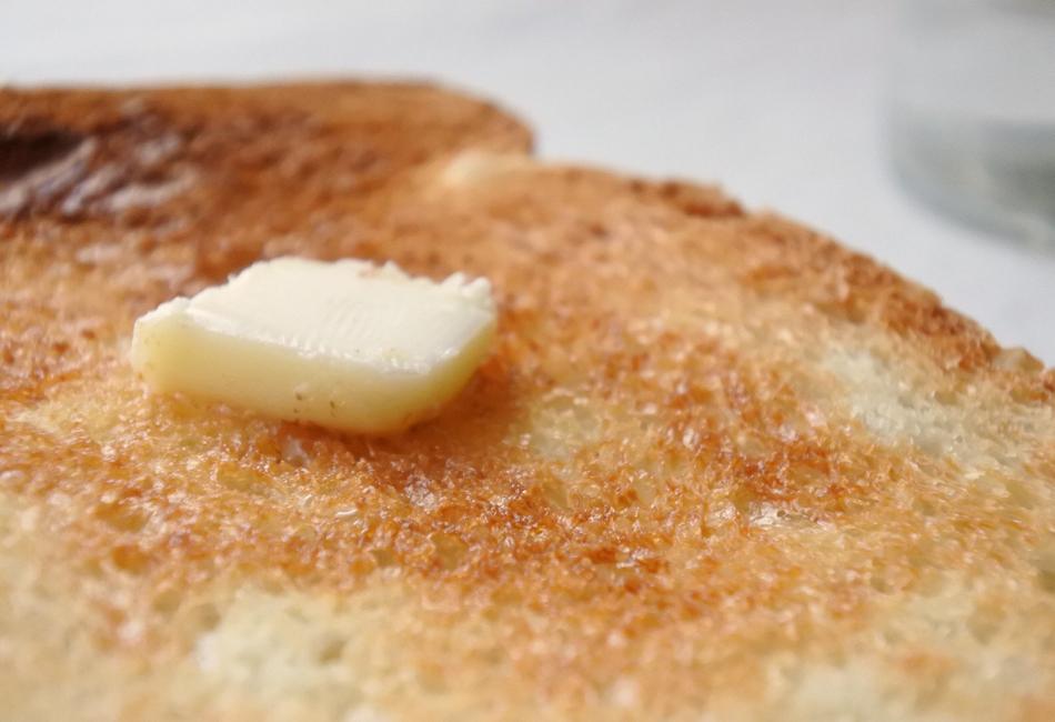 イギリス山型食パン バタートースト