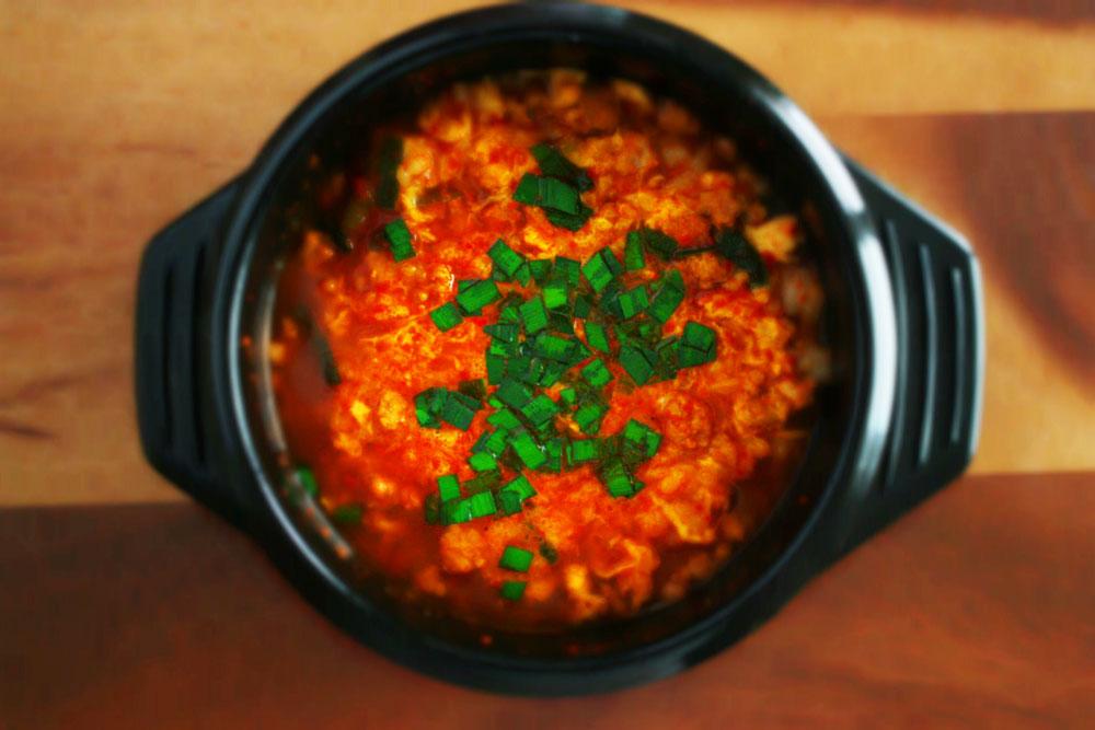 オリジナル辛麺ギフトセットの〆の雑炊