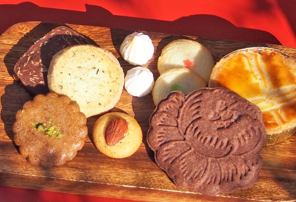 お祝いに贈りたいお取り寄せ。懐かしくホッとする宝箱のようなクッキー缶の画像
