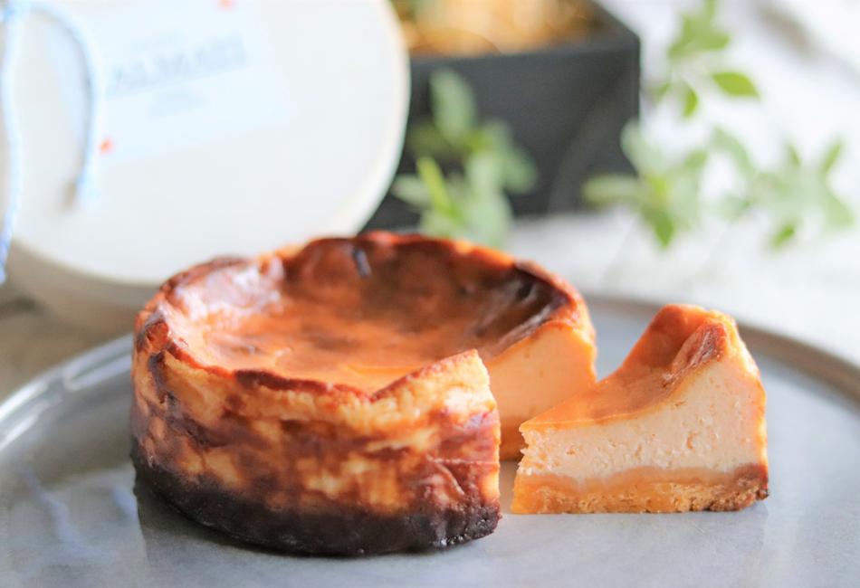 チーズ好きな「あなた」のための濃厚チーズケーキ カットしたところ