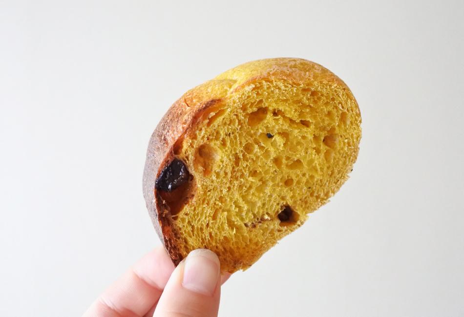 かぼちゃのパン(リング1/2もしくは丸型ホール) GET WELL SOON 一切れ