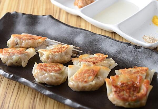 バームクーヘン豚と3種の貝の旨出汁餃子