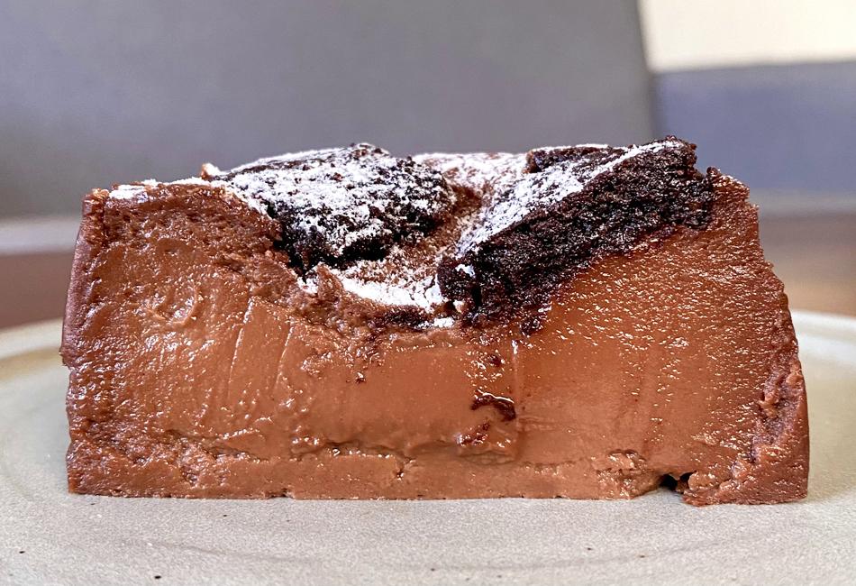 チョコレートバスクチーズケーキ断面 ガスタ