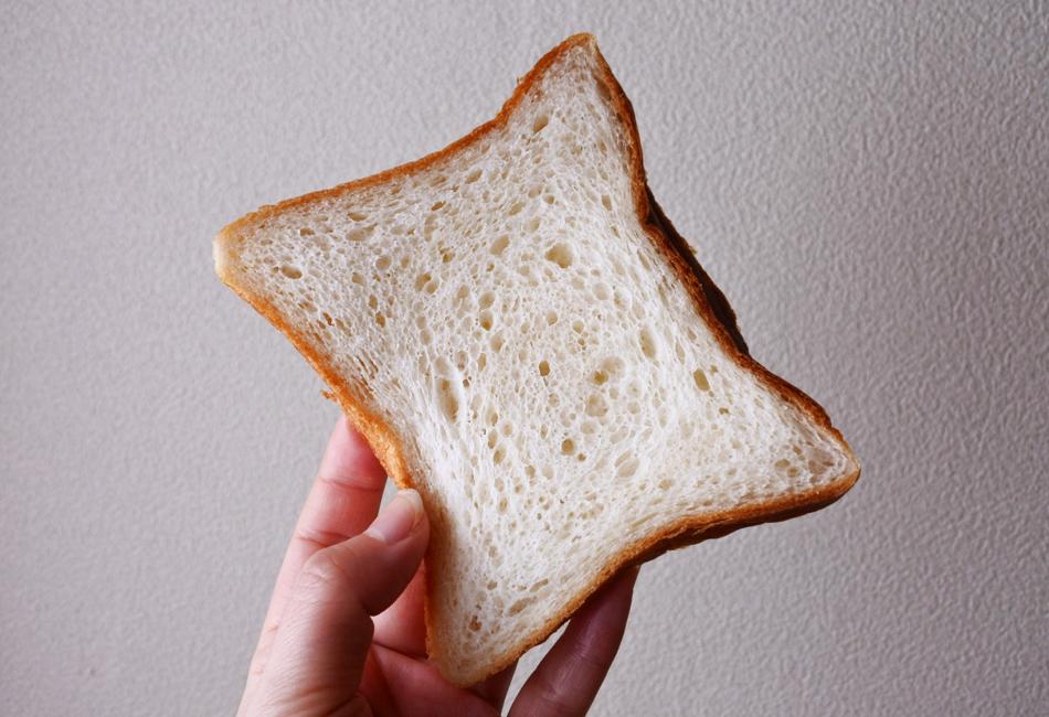 ESPRIT食パン 株式会社小麦家×Bakery&Cafe ESPRIT(エスプリ)  やわらかさ