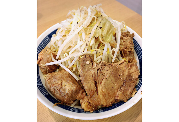 家二郎セット(超極太平打#8・オーション麺4玉&豚骨醤油スープ4食分) 200g×4玉