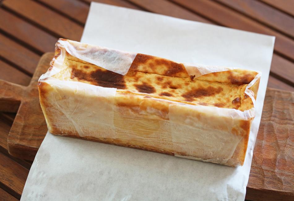神バナナチーズケーキ byラチュレ室田拓人 AGREVO HEALTH FOODS 焼き目