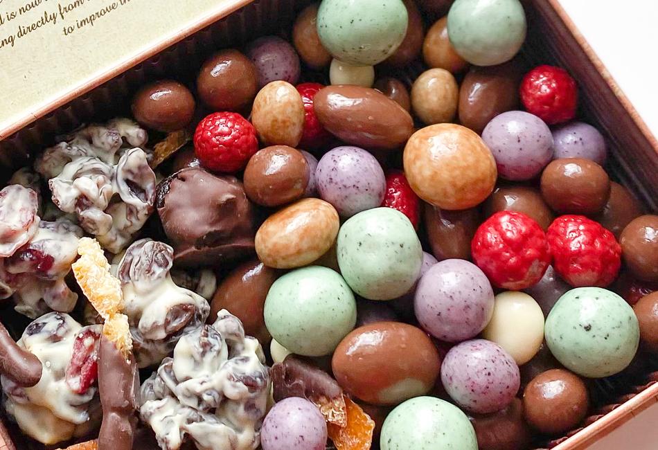 フルーツディップ&チョコレートボールブラウン缶 カカオマーケット かわいいチョコがいっぱい