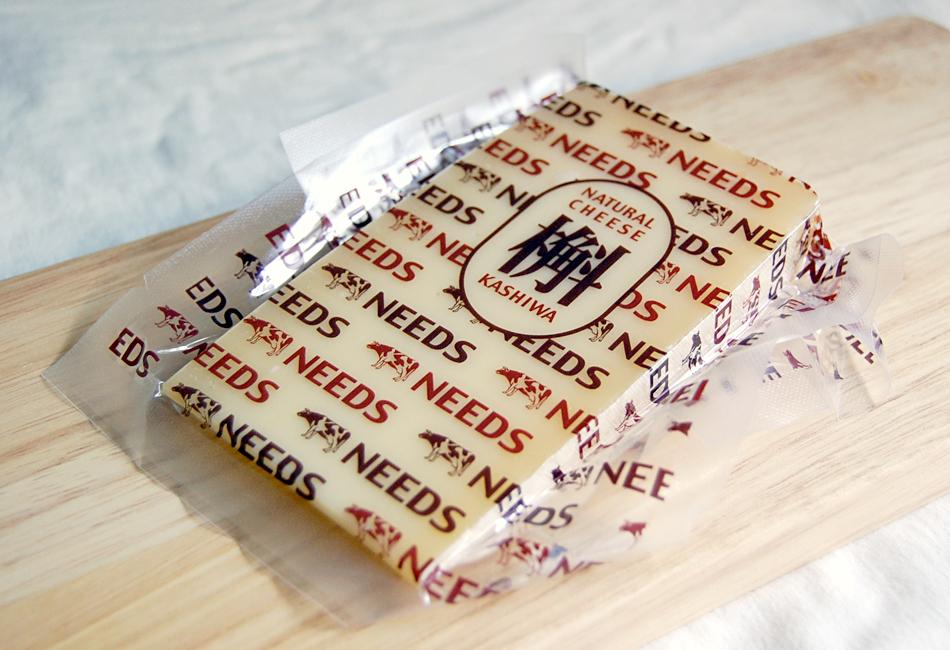 槲(チーズ)のパッケージ