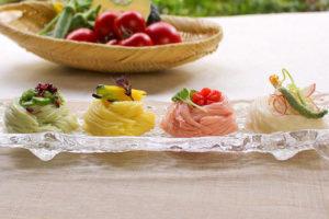 夏野菜を使った三輪素麺