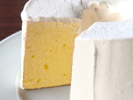 ルテイン卵のシフォンケーキ プレミアムバニラ