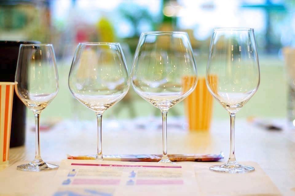 初回に届くワイングラス